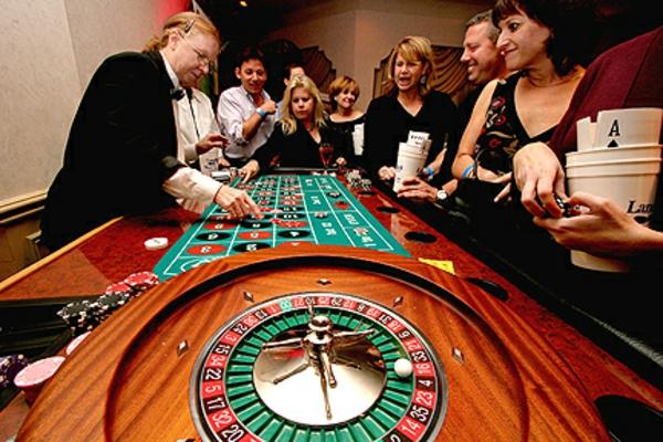 ในการเล่นคาสิโน เราควรลงเงินเต็มแม็คเลยดีเดียวไหม หรืออย่างไร?